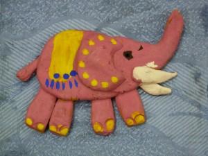 Лепка из глины плоских фигурок. Слон