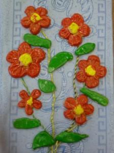Цветы, сделаны с помощью гипсовых форм