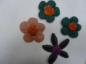 пластилиновые модели цветов